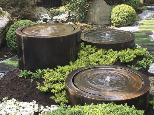 Wassertische in japanischer Umgebung